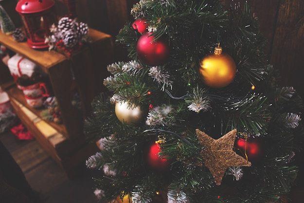 Immagini Natalizie Da Inviare Per Posta Elettronica.Come Fare Una Cartolina Per Natale Salvatore Aranzulla