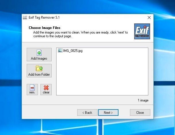 Eliminare le informazioni registrate nelle foto