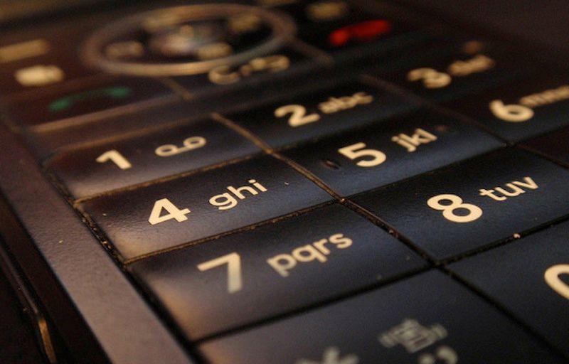 come sapere a chi appartiene un numero di cellulare