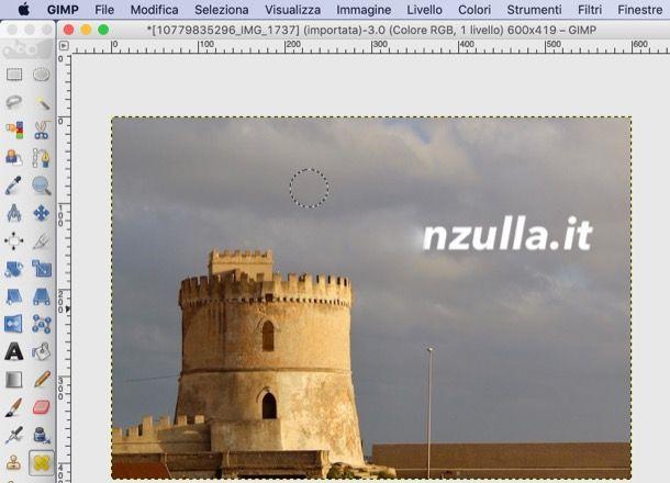 Rimuovere scritte con GIMP