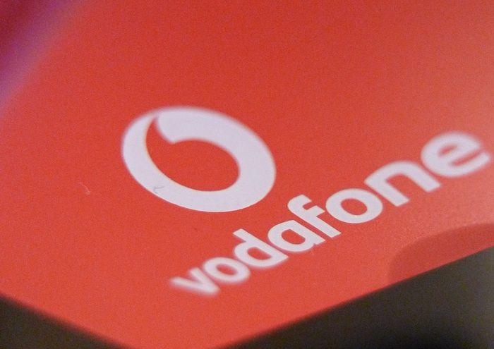 Ufficio Fai Da Te Vodafone : Insegna luminosa omnitel vodafone v a bagnacavallo kijiji