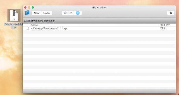 Screenshot che mostra il funzionamento di iZip Archiver