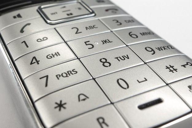 Immagine che mostra il tastierino numerico di un cellulare