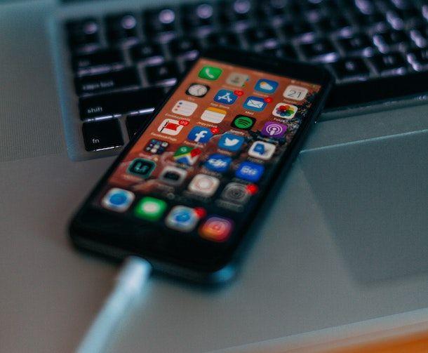 iPhone collegato al Mac