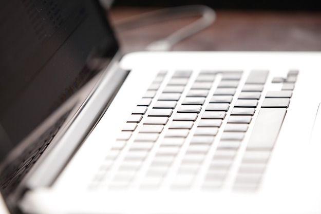 Foto di un computer portatile