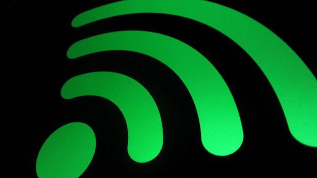 Imagine che mostra il simbolo del WiFi