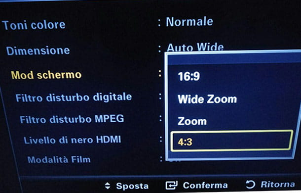Come ridimensionare lo schermo della TV