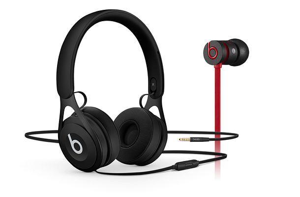 Tutte le cuffie Beats vengono fornite complete di microfono e di controlli  per regolare il volume 4ee1df97ea30