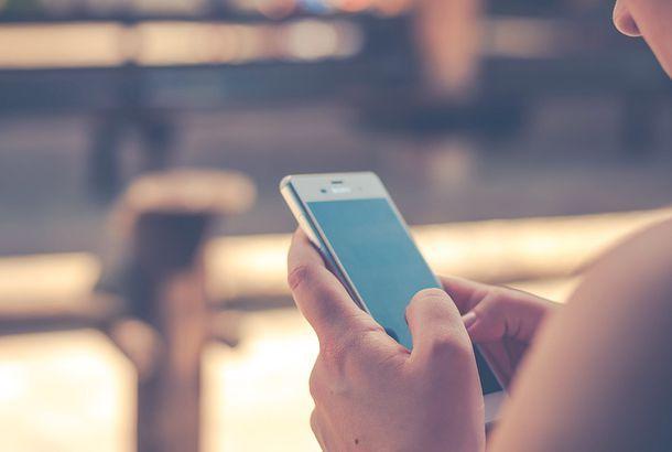 Come eliminare Congratulazioni hai vinto su iPhone