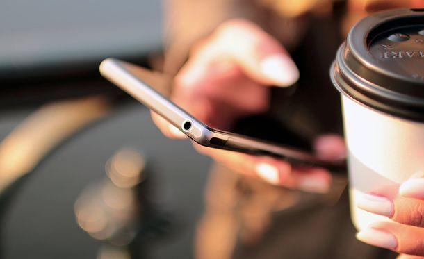 Come oscurare numero cellulare SMS