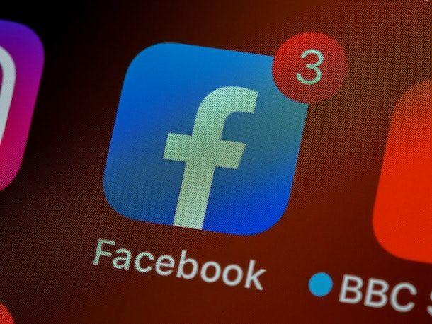 App di Facebook disattivazione account