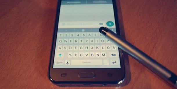 Come scrivere al contrario su WhatsApp