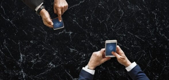 Come trasferire un gioco da un telefono all'altro