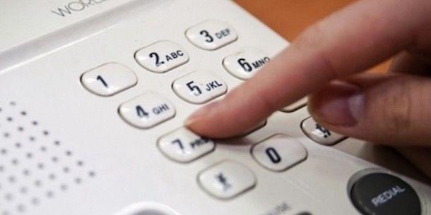 Foto che mostra un telefono fisso
