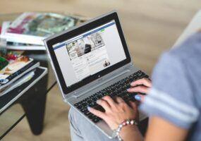 Come caricare un PDF su Facebook