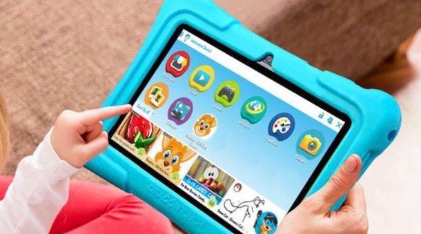 Foto di un tablet con protezione in gomma