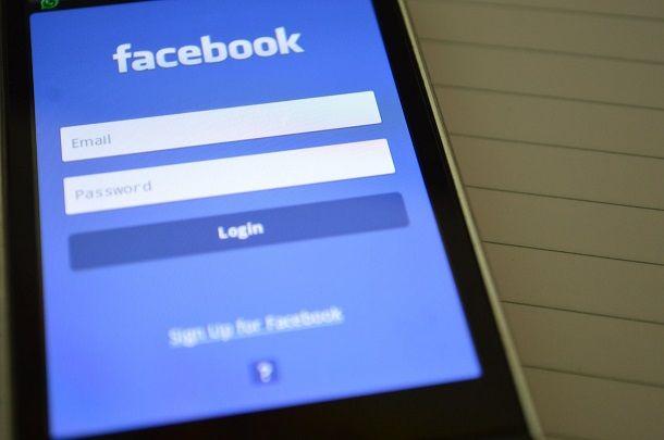 App Facebook su smartphone