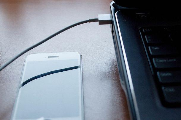 Caricare iPhone da PC con USB