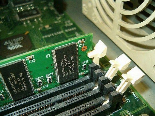 Altri metodi per sapere quanta RAM supporta il PC
