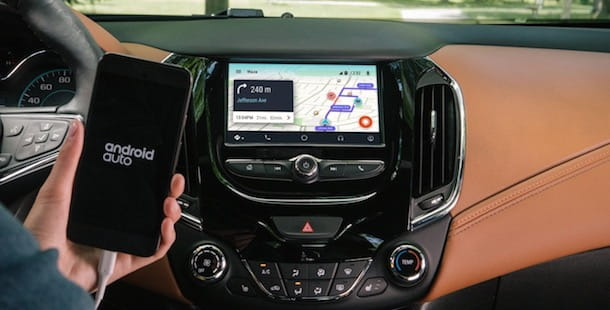Ascoltare un audiolibro in auto