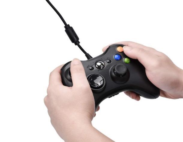 Come collegare il joystick Xbox 360 al telefono con cavo