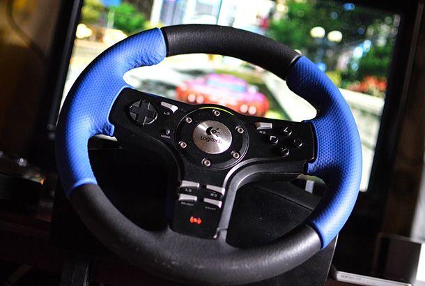 Foto di un volante per PC