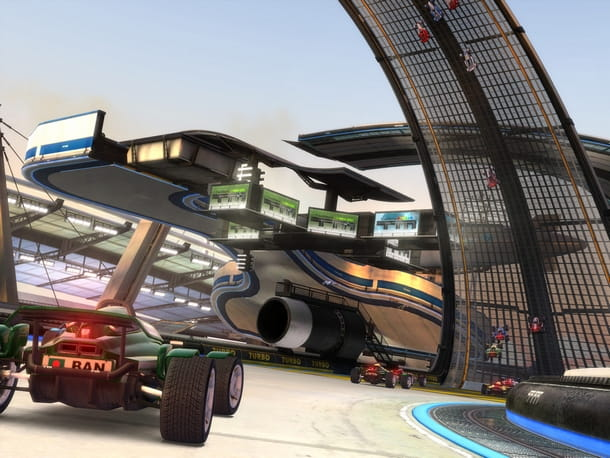 Corse su piste spericolate in Trackmania!