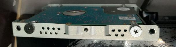 Smontare hard disk dal supporto