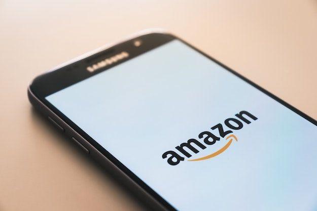 Come faccio a contattare Amazon