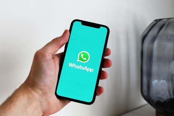 Usare WhatsApp su telefono