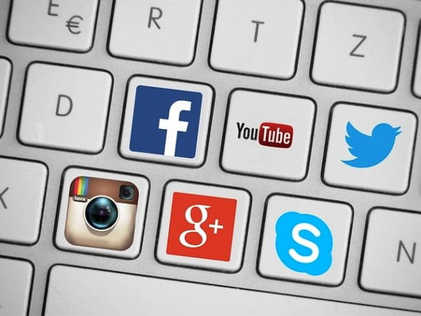 Icone social network e YouTube