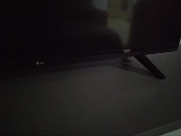 Come accendere TV LG senza telecomando