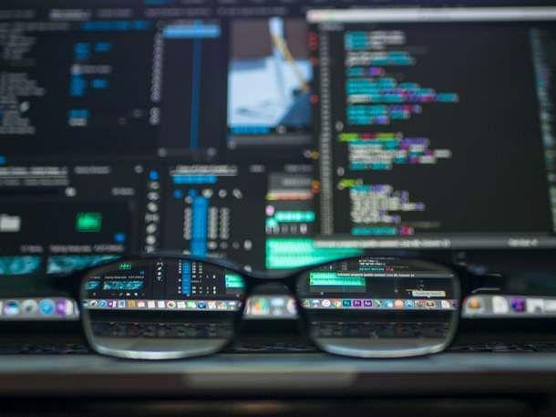 Computer e occhiali
