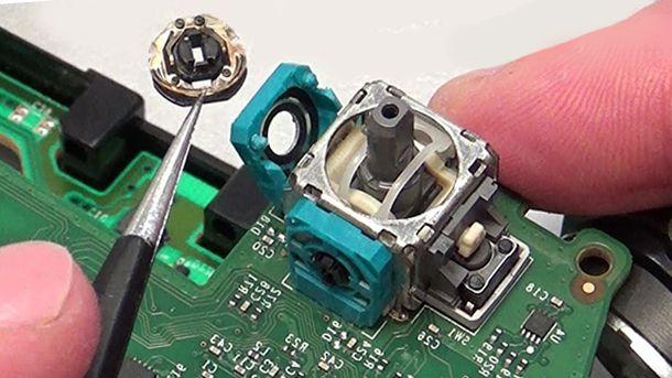 Pulire analogico del controller PS4