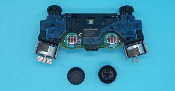 sostituzione gommini controller PS4