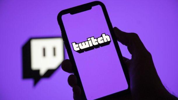 Twitch logo smartphone