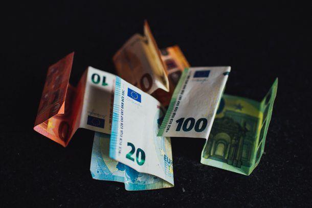 Tanti soldi che fluttuano