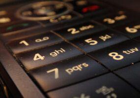 Come identificare un numero di cellulare