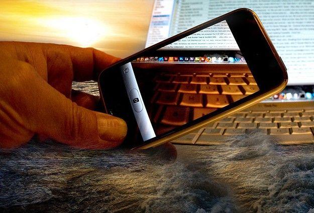 Diverse soluzioni per condividere le immagini tra un cellulare